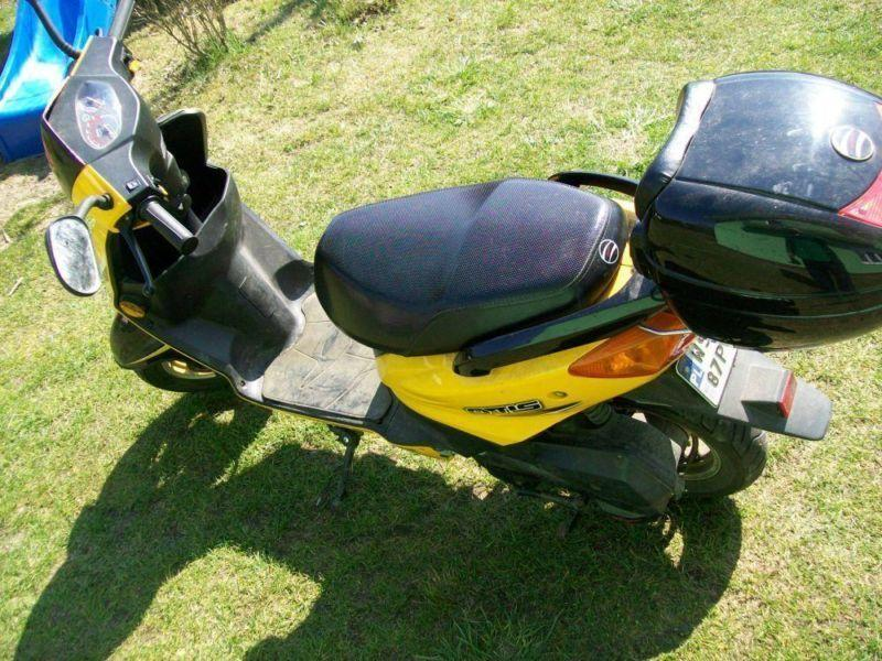 ZIPP OTIS motorower(skuter)