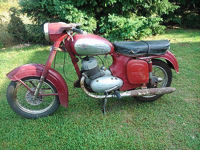 Jawa 350 1959r, dodatkowo drugi silnik po remoncie do złożenia