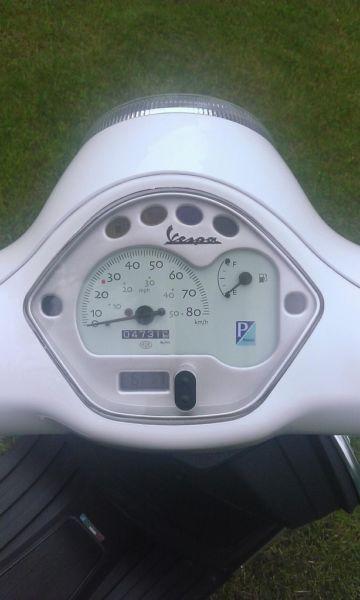 vespa lx50 biała 2011
