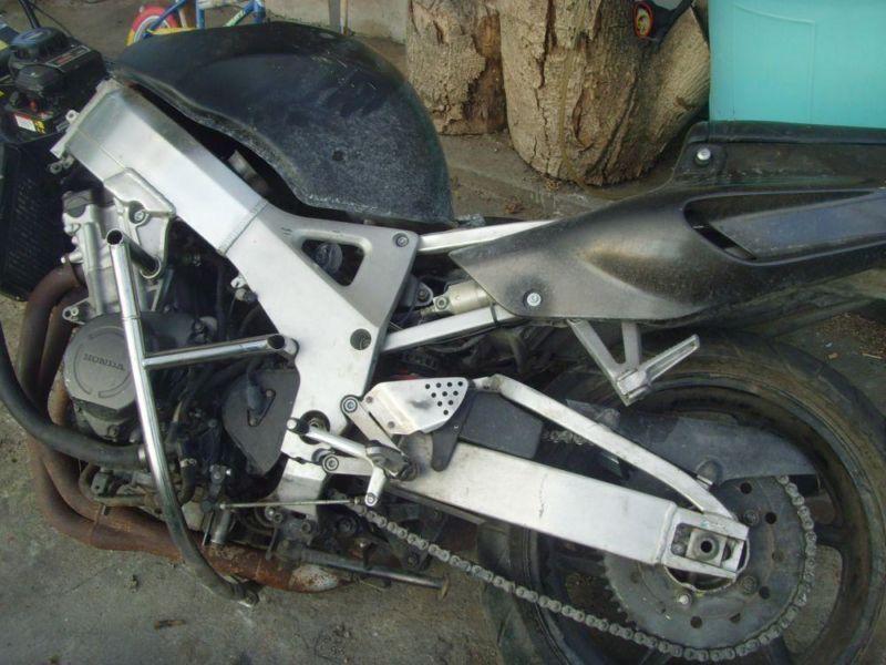 Honda CBR 900 RR sc 28, silnik sc 33 ROZBITA dużo części